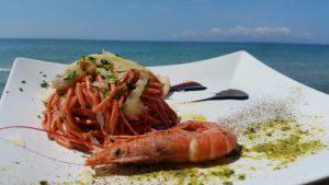 Spaghetto alla chitarra con estratto di barbabietola rossa, spuma di mazzancolle e seppie del mediterraneo